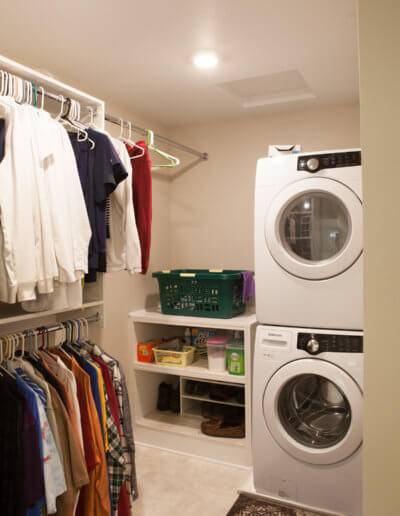 A photo of a laundry room.