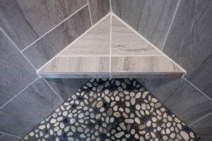 The corner tiling of the new shower.